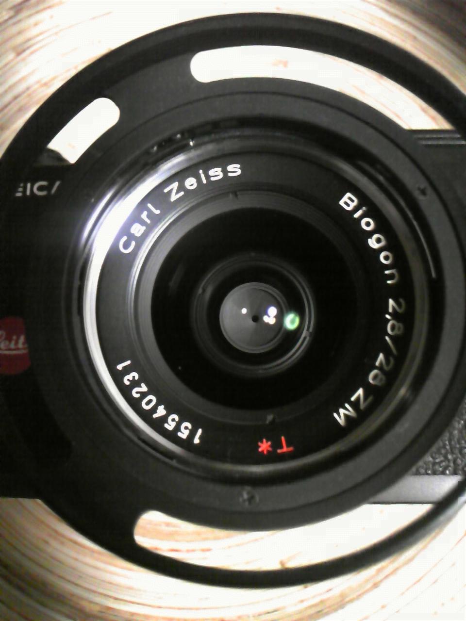CARL ZEISS BIOGON 28mm F:2.8 on LEICA M4-P